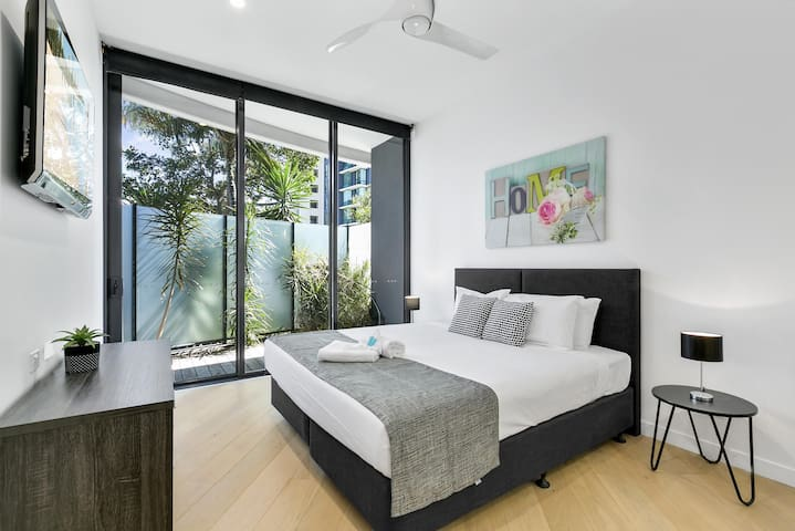 Oracle – 3 Bedroom unit with private Courtyard