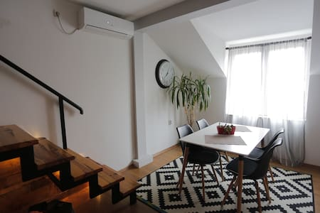Penthouse Apartment near the city center*