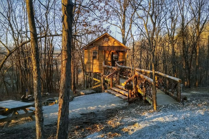 Getaway 9 - Private Treehouse With a View