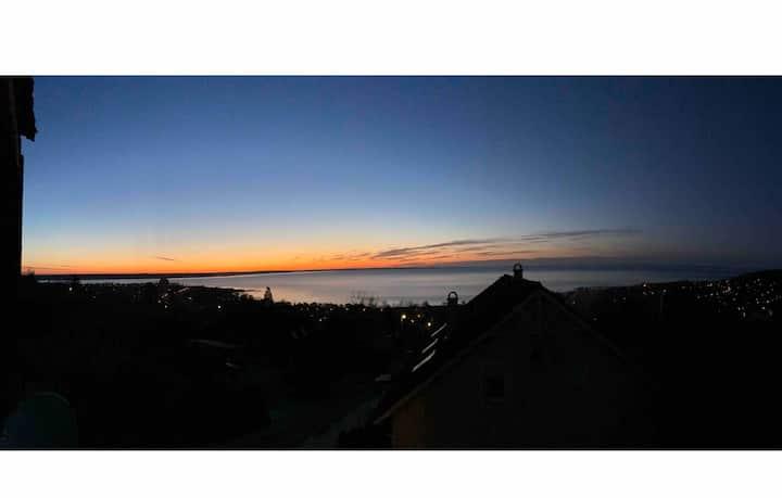 Weekend home with Lake Balaton panorama