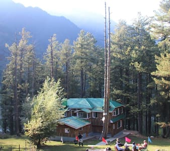 Breeze Wood Cottage- Shahtoosh Room - Pahalgam - Cabane