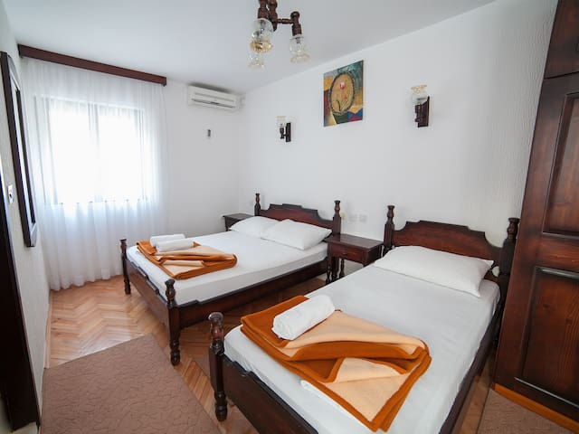 4M - Sweet Triple Studio with Balcony - Budva