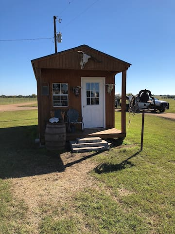 4F cattle cabin