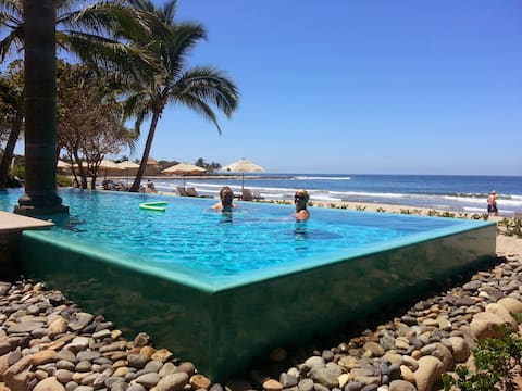 Eden's Casual Quarters-Troncones Beach & Pool incl