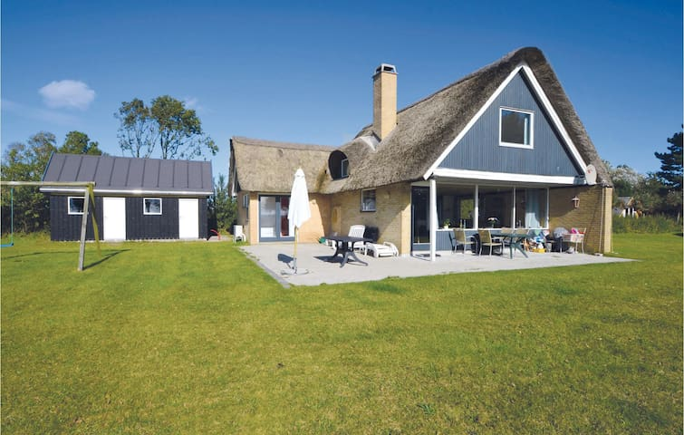 Holiday cottage with 3 bedrooms on 116m² in Knebel