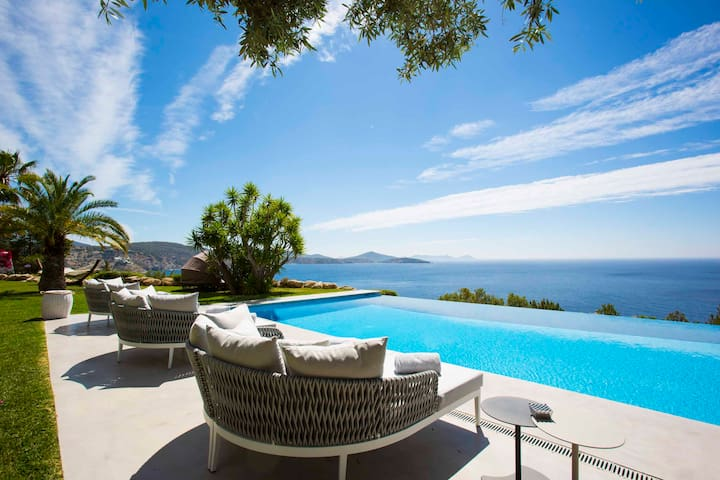 Luxury 6 Bedroom Villa with Panoramic Seaview! - Es Cubells - 別荘