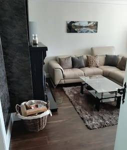 Ideal for Families, Perfect Location, Sleeps 7.