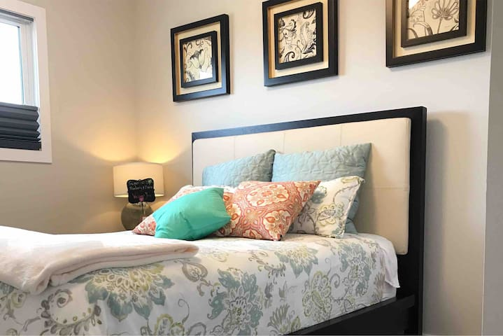 Sunny&Sparkling Master Suite Keswick on the River