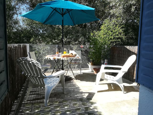 Charming townhouse 1 bed with private sun terrace