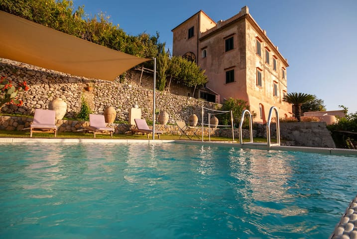 AMALFI - VILLA EXCLUSIVE AVEC PISCINE