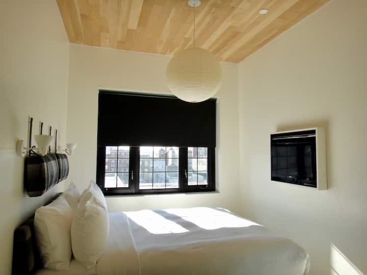 Gowanus-Park Slope- Queen Studio Room