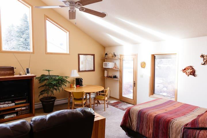 Private Spacious Comfortable Studio on Bear Creek!