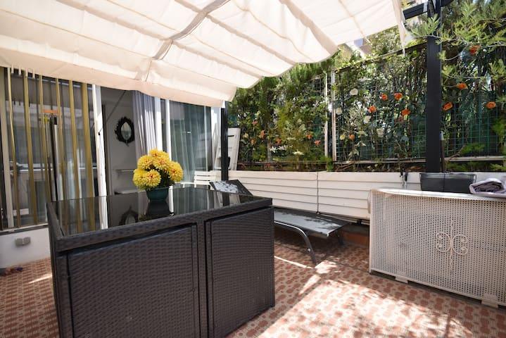 Terrasse de 20 m2 - une véritable pièce supplémentaire!