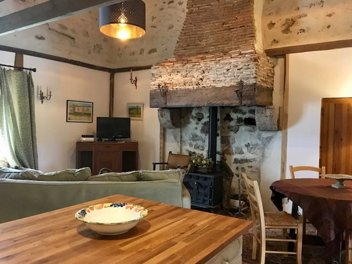 Charming 2-bedroom Holiday Rental Southern France