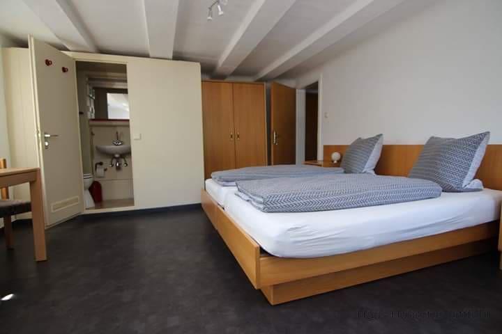 Fremdenzimmer im Haus Hubertus Littfeld