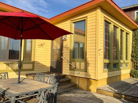 Cozy Cabin in the Heart of Downtown Wabasha