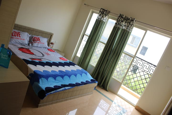 DivBnB:(G1): Private Room in Whitefield