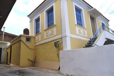 The yellow mansion - ground floor