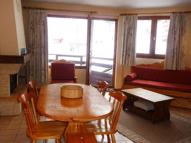 FOL29 - Snow front, nice and spacious apartment! - LA TANIA - Lejlighed