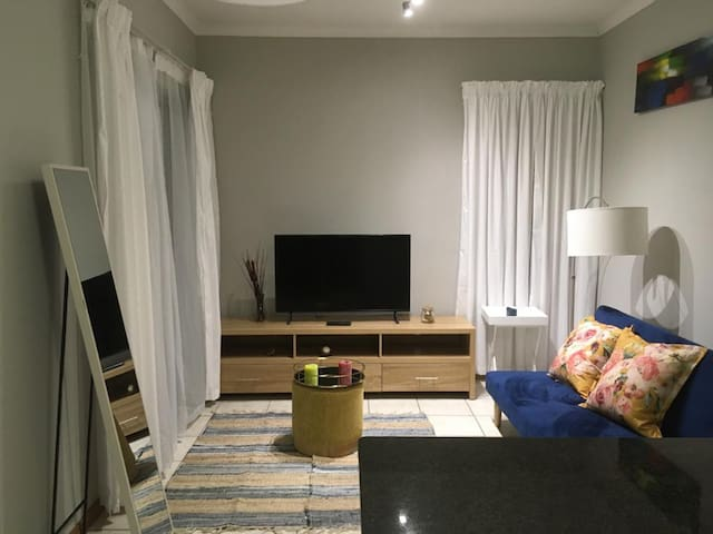 Neat, Comfortable COVID19 Compliant near Airport