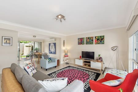 Luxury Stylish 3BDRM Home - Ipswich  - Rivitalo