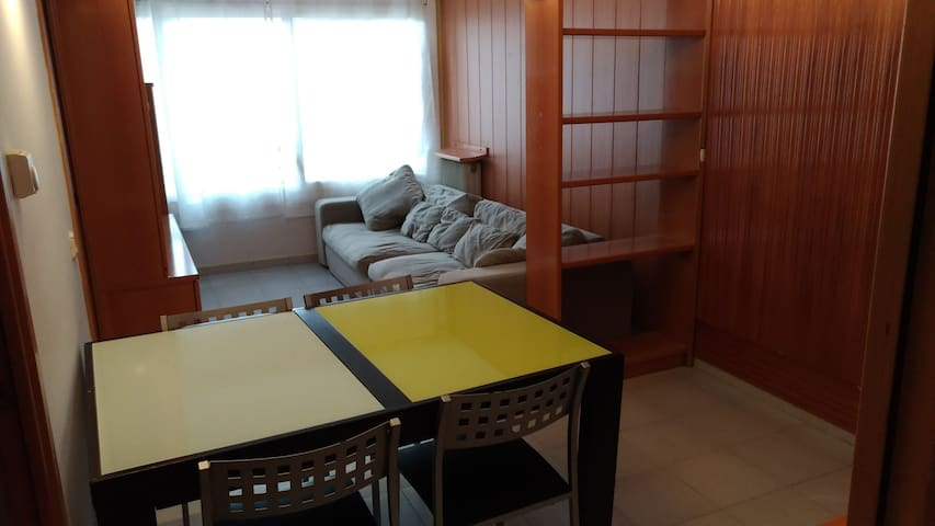Apartamento acogedor con parking.