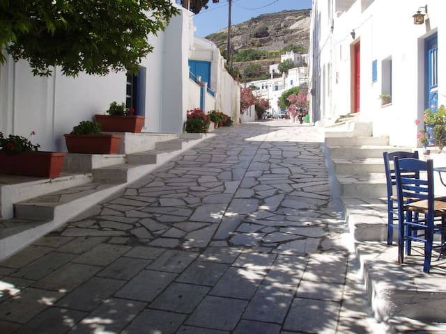 Traditional House in Pyrgos, Tinos - Panormos - บ้าน