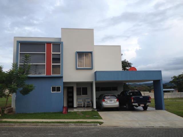 Habitación en Turrucares - Turrúcares