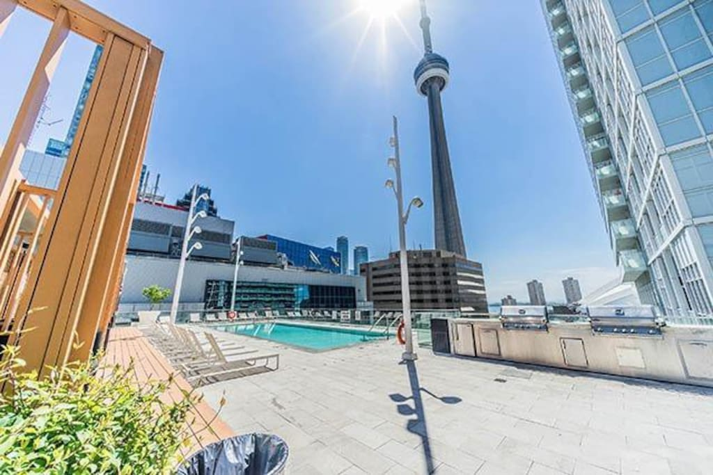 Rogers Centre, CN Tower, Ripley's Aquarium and Steam Whistle brewery across the street just steps away!
