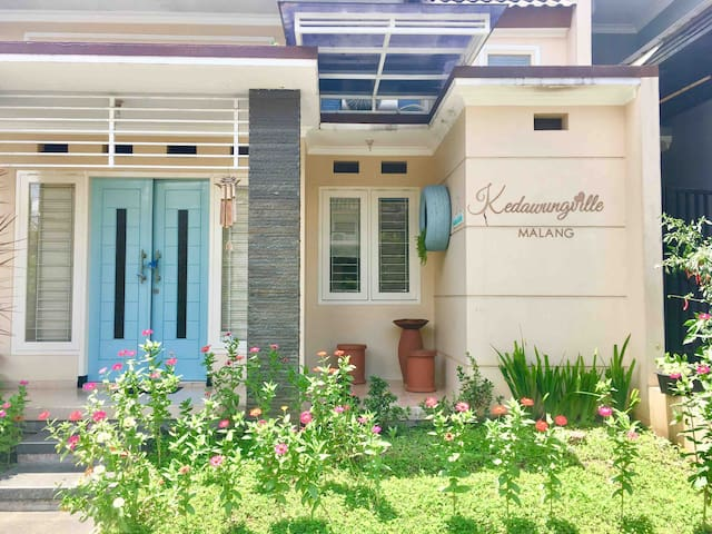 Kedawungville INSTA-WORTHY house with 3BR