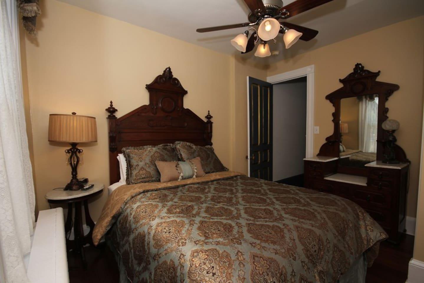 Bedroom #3-- queen bed, TV