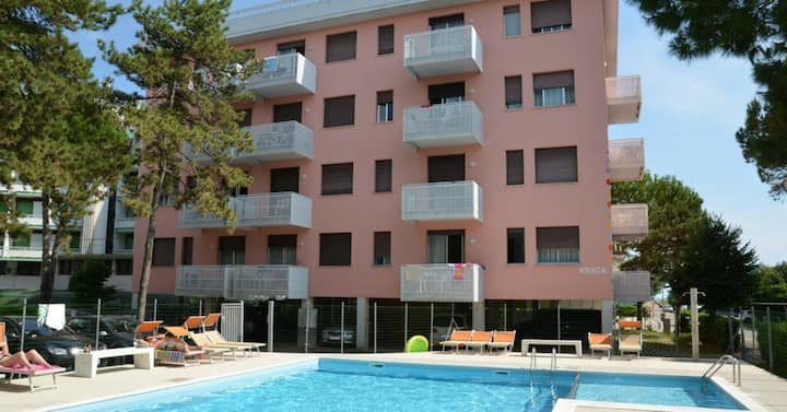 apt for 3+2 persons with pool in Bibione R26621
