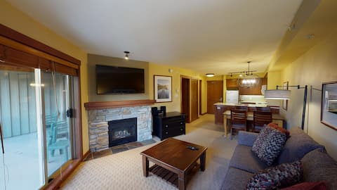 Beautiful Benchlands One Bedroom Suite - Horstman House