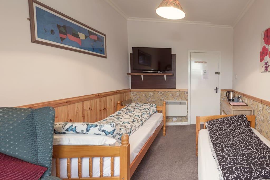 Twin Room (A)
