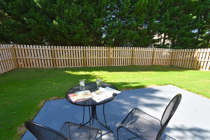 BACK YARD: Enjoy  your private fenced in back yard. Barbecue, let the kids play, or just sit back and catch up on some reading.