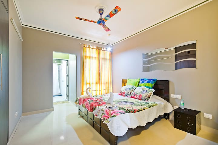 3 bedrooms Luxury apartment with modern interiors - Greater Noida - Leilighet