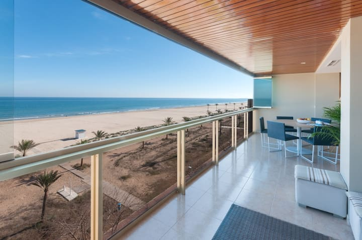 Luxurious and Beautiful three Bedroom Beachfront Property