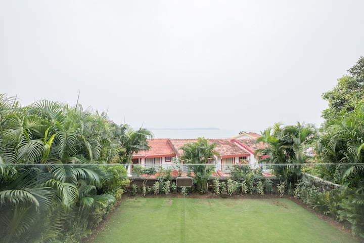 SEAVIEW LUXURY HOLIDAY VILLA 4BHK GARDEN AND POOL