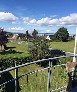 Flot udsigt udover Roskilde fjord. - Roskilde