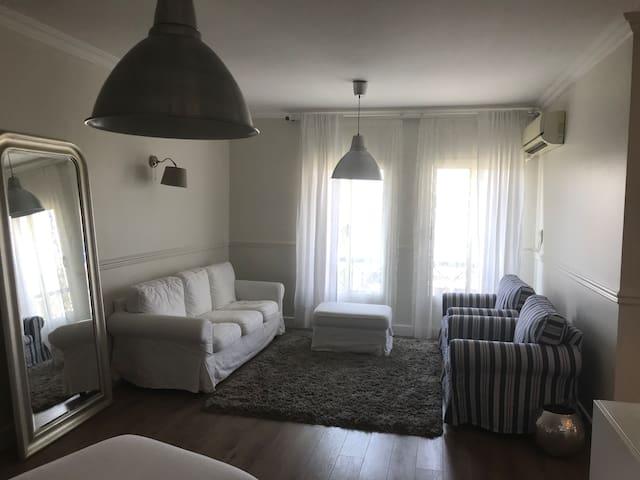 Modern & Spacious apartment in Rehab