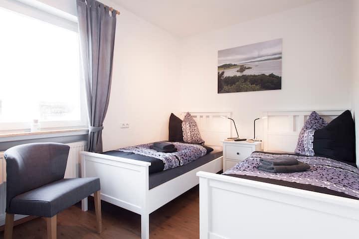 Doppelzimmer kl EG mit Einzelbetten