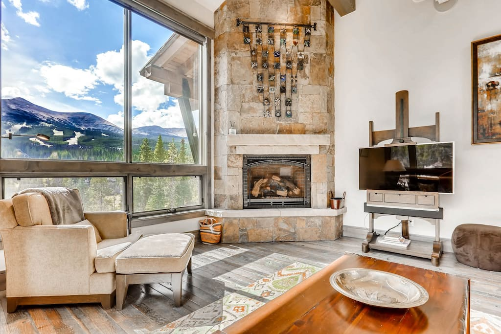 offers excellent views of Peak 8!