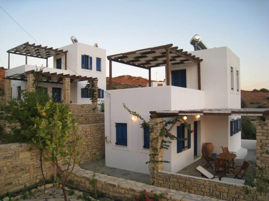 patio esterno e terrazza superiore