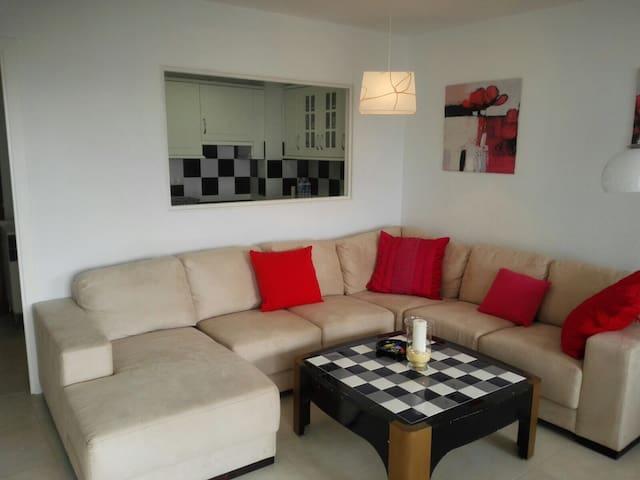 WOW 1 Bed Apartment & Pool Puerto Banus/Marbella