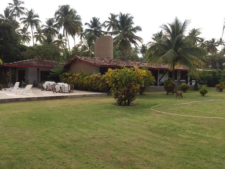 Casa de Praia ao lado do Club Med Itaparica.