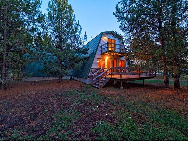 5 Bedroom - West Yellowstone Getaway!