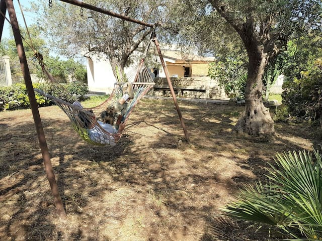 relax without any interruptions. place is gated, fenced. Watch Netflix from the hammock, internet works thruout property.