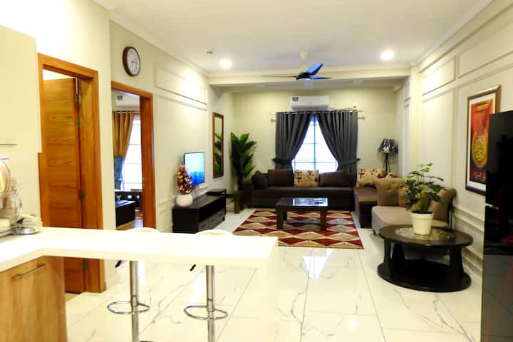 Executive 1-Bedroom Apartment In Bahria Town