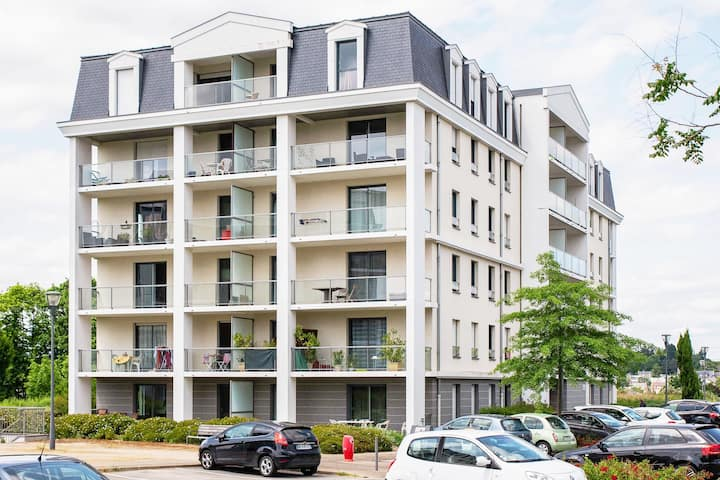 APPARTEMENT A 2 PAS DE RENNES ★ TERRASSE ★ PARKING