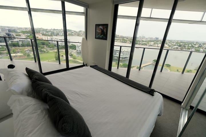 Enormous luxury apartment expansive river views